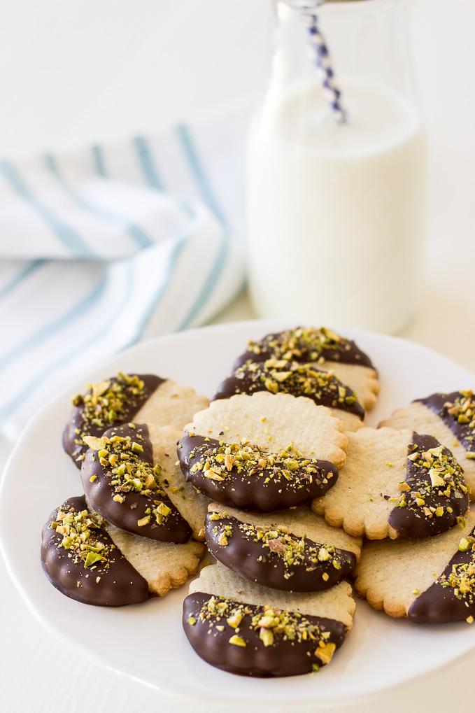 Pistachio-Chocolate-Dipped-Cardamon-Spice-Cookies.jpg