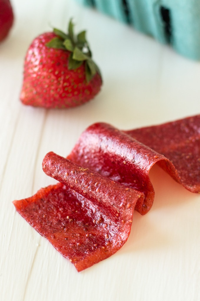 Strawberry-Fruit-Roll-ups.jpg