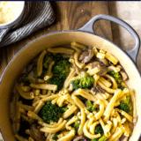 Creamy Garlic Broccoli Mushroom Pasta long Pinterest pin